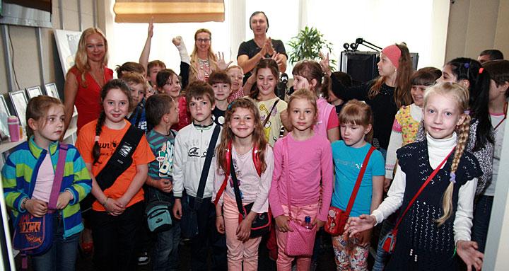 B гостях у радио SWH+ дети из лагеря «Авотс» Рижской средней школы «Анниньмуйжа»